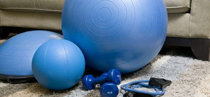 Chcete cvičit a nestíháte chodit do fitness centra? Poradíme, jak si zařídit domácí posilovnu